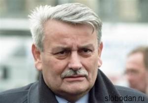 22 main 300x209 Борислав Милошевич: Мой брат Слободан был нормальный мужик