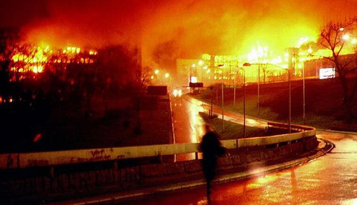 1 2 Бомбардировка Югославии — «экспериментальная война НАТО»